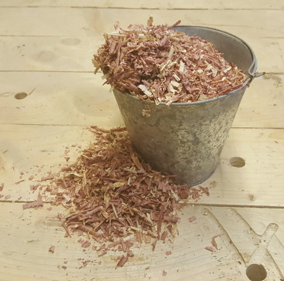 Fragrance:  Cedar/Fresh Wood Shavings